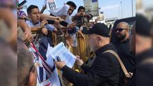 Rubén Blades se da baño de popularidad en aeropuerto