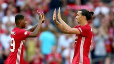 El maravilloso 'taquito' de Ibrahimovic a Rashford en la Capital One Cup
