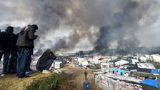 Francia evacuó el campamento de inmigrantes la