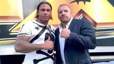 Ex compañero de Claudio Pizarro de la WWE a la octava división de Alemania
