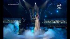Jesse & Joy toman el escenario de los #GrammyLatino y estrenan su single