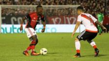 Luis Advíncula fue figura en la victoria de Newell's ante River Plate