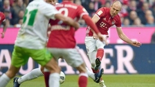 Robben anotó un golazo al ángulo desde fuera del área