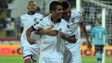 Este gol de Paolo Hurtado le dio el triunfo a Vitoria Guimaraes