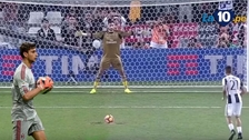 La impresionante atajada de Donnarumma en el triunfo de Milan ante Juventus