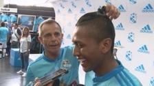 Julinho troleó a Pedro Aquino por su nuevo peinado con 'colita'