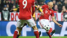 En el Bayern Munich - Arsenal: Arjen Robben la puso en el ángulo