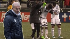 Yordy Reyna se lesionó por intentar jugada de Zinedine Zidane