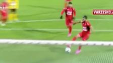 ¿Fue mejor? En Irán imitaron el famoso penal de Messi y Suárez
