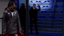 Carlo Ancelotti le hizo gestos obscenos a la hinchada rival
