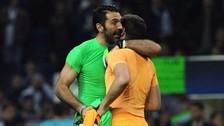 El emocionante abrazo entre Gianluigi Buffon e Iker Casillas