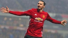 Ibrahimovic anotó un doblete para que Manchester United ganara la Copa de Liga