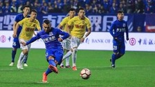 Carlos Tévez y el gol en su debut en la Superliga China