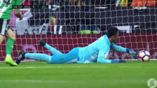 El terrible blooper de Keylor Navas en el gol de Real Betis