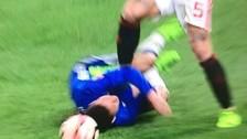 Cuando estaba en el piso: Hazard recibió de Marcos Rojo un planchazo en la cara