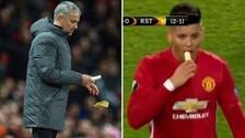 José Mourinho peló un plátano en pleno partido y Marcos Rojo lo comió