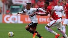 Jugada de Christian Cueva con taco incluido casi acaba en gol de Sao Paulo