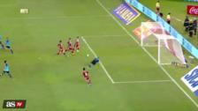 El increíble blooper de cuatro jugadores de River Plate estando frente al arco
