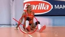 Escalofriante: voleibolista se rompió el tobillo en pleno partido