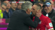 El curioso saludo de Ancelotti y  Franck Ribery tras ganar el clásico alemán