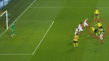 Aubameyang destrozó a la defensa del Mónaco con genial pase de taco