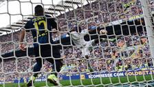 Milan igualó a Inter con gol del colombiano Zapata en el minuto 96