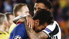 Dani Alves publicó emotivo mensaje a Neymar tras eliminación de Barcelona