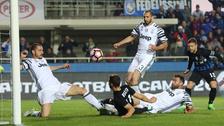 La defensa de Juventus cometió un blooper en el empate ante Atalanta