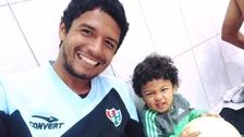 Reimond Manco publicó un emotivo video jugando fútbol con su hijo