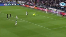La increíble atajada de Subasic para evitar un gol de Mandzukic