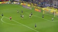 El golazo de volea del 'Pity' Martínez a Boca Juniors