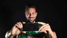 Claudio Pizarro reveló lo que guarda en su celular durante entrevista