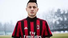 Lapadula fue uno de los modelos en la presentación de la camiseta del Milan