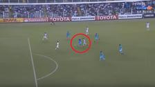 Cazulo quedó desairado en el tercer gol de Santos ante Sporting Cristal