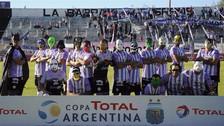 Jugadores del Sacachispas de Argentina lucieron máscaras de Superhéroes