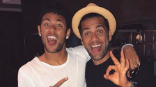 Neymar y Dani Alves se juntaron previo a la final de la Champions League