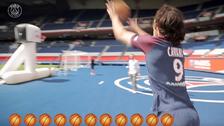 Edinson Cavani sorprende a todos con sus habilidades para el baloncesto
