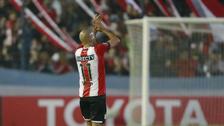 La 'Brujita' Verón recibió gran ovación en su retiro definitivo del fútbol