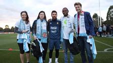 Lionel Messi vivió emotivo momento con pacientes de cáncer en Australia