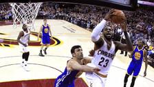 Video | LeBron James hizo un gran mate tras autopase en el triunfo de los Cavaliers