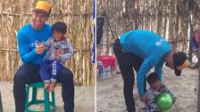 Sergio Ramos jugó con un niño damnificado en Piura