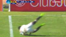 Mira el blooper de Raúl Tito que evitó contragolpe de Universitario
