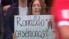 Hincha le pidió matrimonio a Cristiano Ronaldo en la Copa Confederaciones