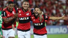 Paolo Guerrero anotó un hat trick en goleada del Flamengo