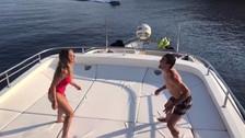 Kovacic hace 'dominaditas' junto a su esposa en plena luna de miel