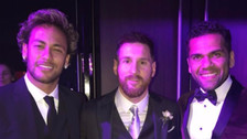 Neymar lució peculiar look en matrimonio de Lionel Messi