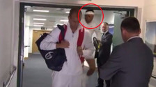 Rafael Nadal y el fuerte golpe en la cabeza antes de jugar en Wimbledon