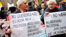 Miles de chilenos piden fin del sistema de pensiones impuesto por Pinochet