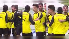 YouTube | Dembélé y Burki casi se pelean en práctica del Borussia Dortmund