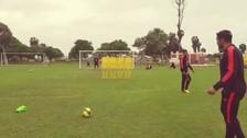 Video | El golazo de tiro libre de Vargas en el entrenamiento de Universitario